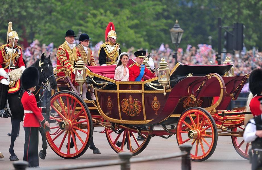"""Đám cưới Hoàng gia tưởng chừng hoàn hảo tuyệt đối vẫn xảy ra không ít sự cố """"dở khóc dở cười"""" đi vào lịch sử 7"""