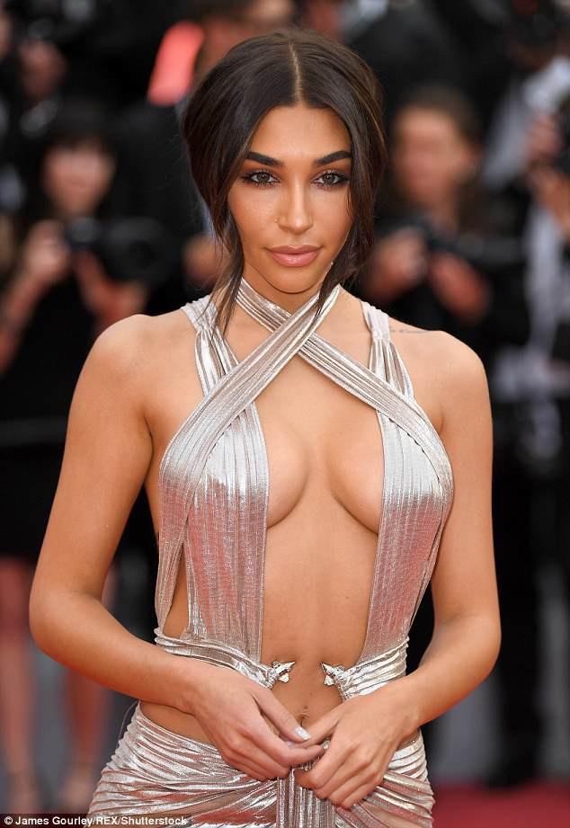 Khi thảm đỏ Cannes trở thành 'cái chợ' của những mỹ nhân Âu - Á không ai biết tên 'bon chen' bằng được 14