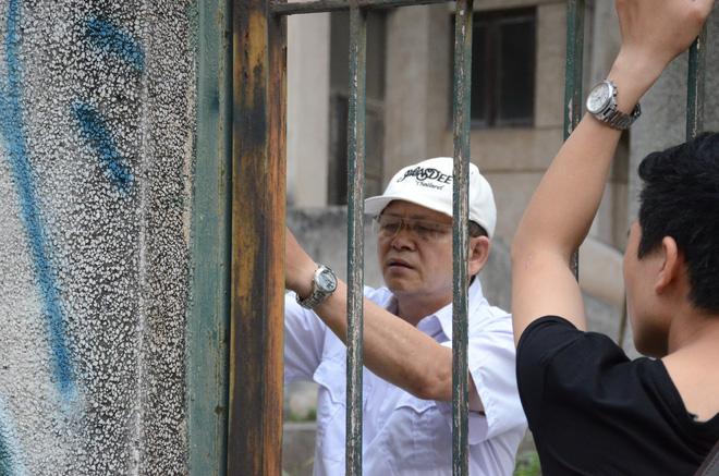 Người bảo vệ canh giữ ngôi nhà 300 Kim Mã bị bỏ hoang suốt 27 năm tiết lộ về thông tin ngôi nhà 'có ma' 7