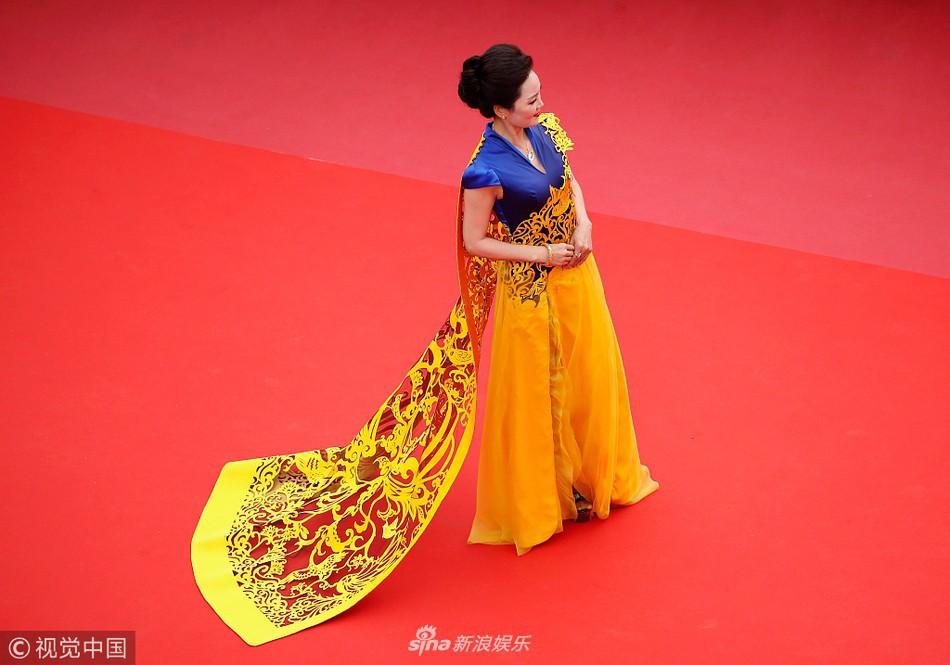Khi thảm đỏ Cannes trở thành