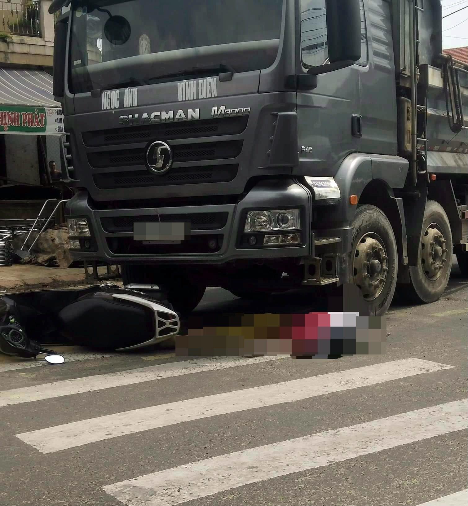 Hình ảnh Đau lòng cảnh mẹ bị xe tông chết bên cạnh con 12 tuổi nguy kịch sau khi từ bệnh viện về số 1