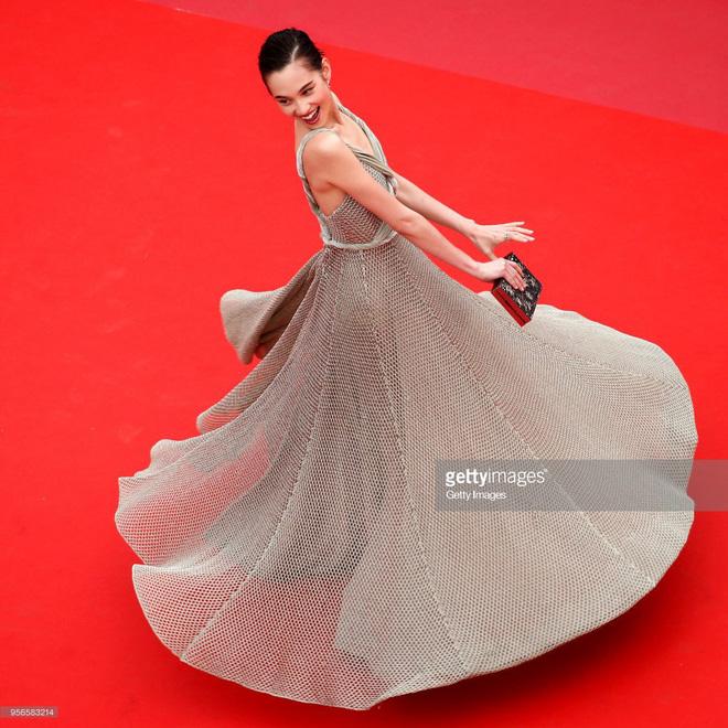 Không phải Phạm Băng Băng, đây mới là mỹ nhân châu Á có những khoảnh khắc 'thần sầu' nhất tại thảm đỏ Cannes 12