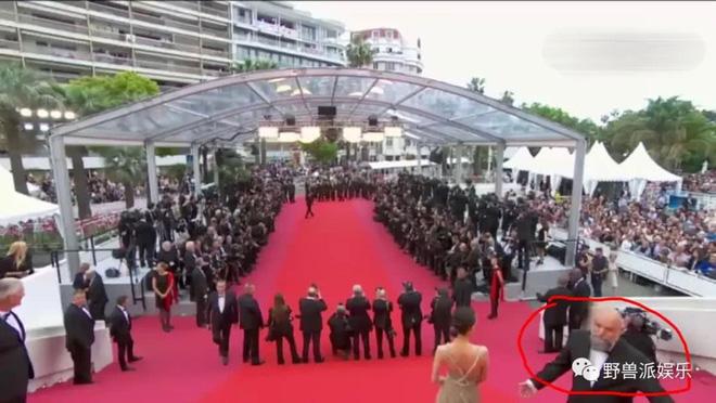 Thảm đỏ Cannes 2018: Mỹ nhân Nhật gây hoang mang với màn tạo dáng 'có 1 không 2' 38