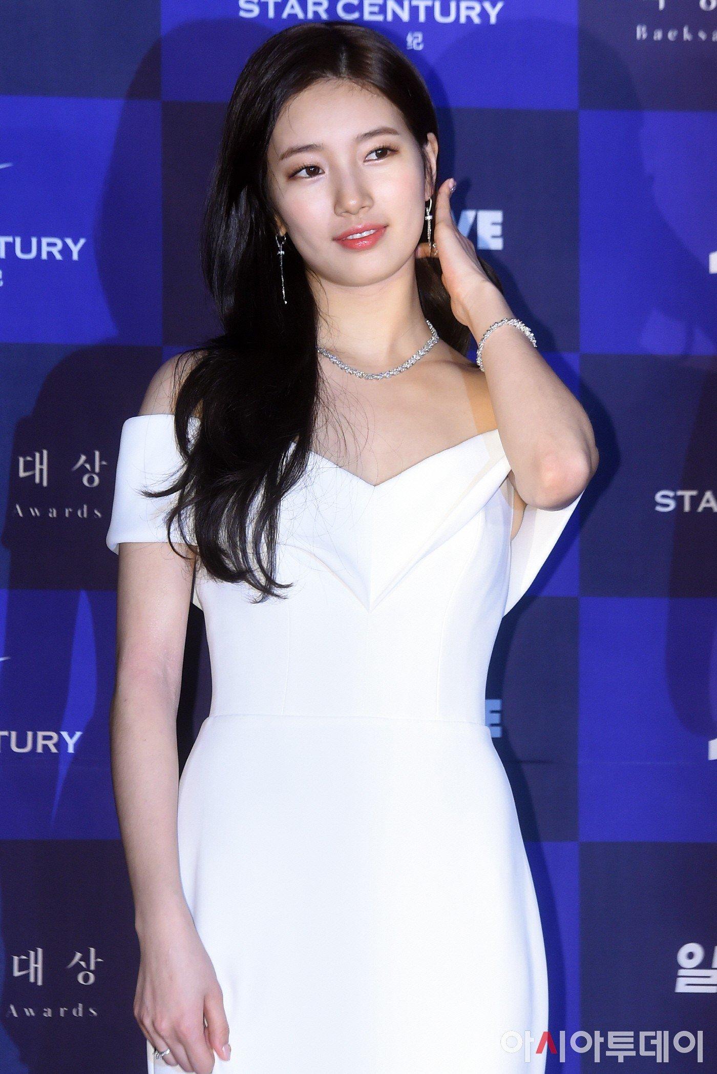 Hình hậu trường nóng hổi của Suzy tại Baeksang: Sải bước ở hầm để xe mà sang như bà hoàng, đẹp hơn cả đi thảm đỏ 14