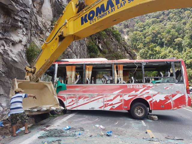 Vụ lật xe khách 23 người thương vong qua lời kể tài xế 2