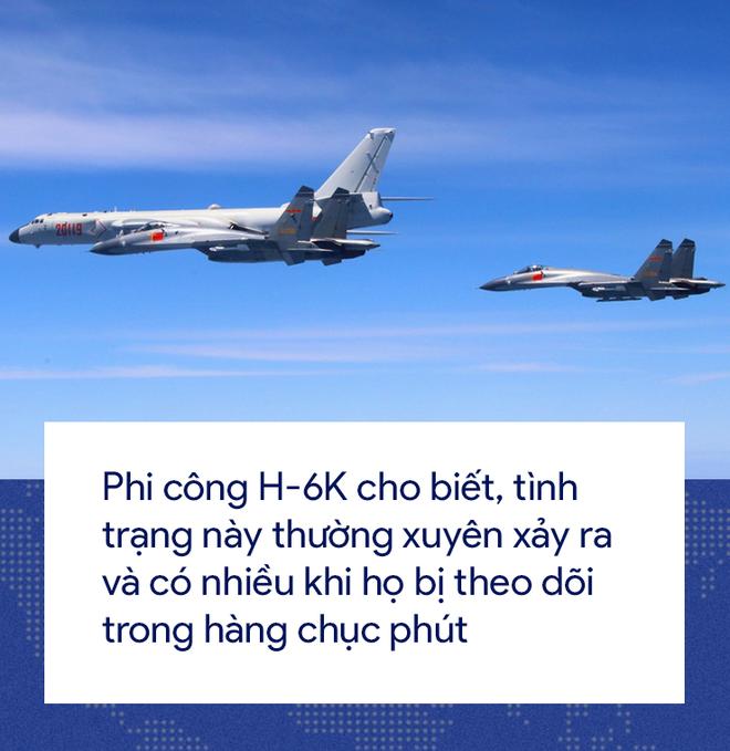 [Photo Story] 'Cơn ác mộng' Su-35 bị bám đuôi trong lần đầu tiên hộ tống H-6K vờn Đài Loan 8