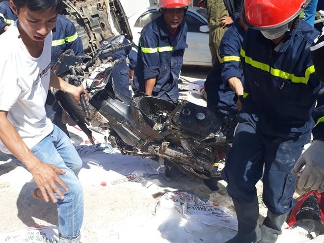 Hiện trường vụ tai nạn thảm khốc ở Lâm Đồng khiến ít nhất 5 người thiệt mạng 4