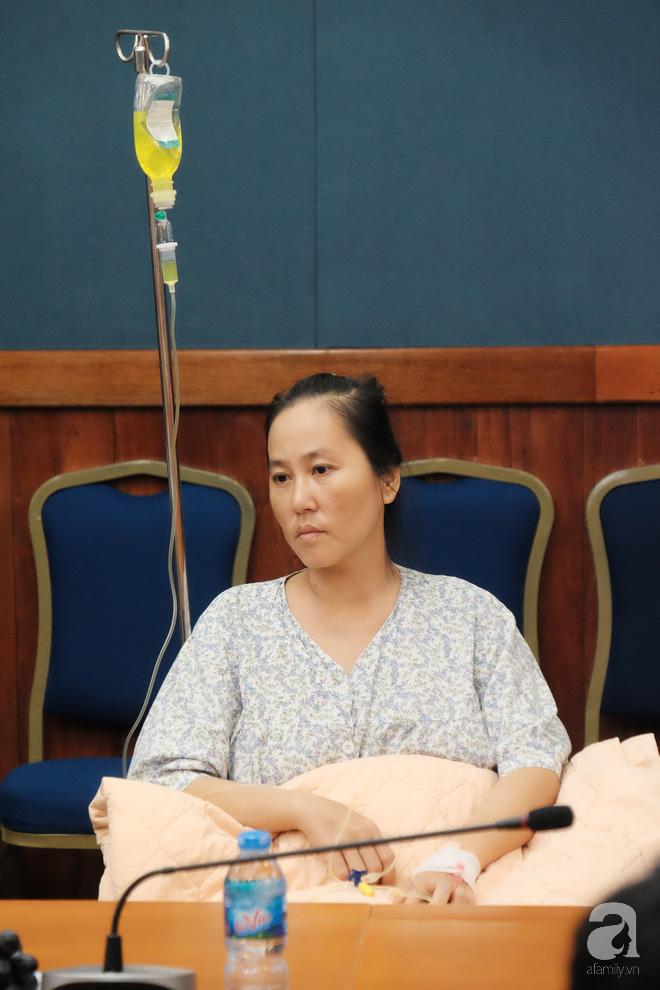 6 giờ ròng rã cứu mạng người phụ nữ mang khối u buồng trứng lớn nhất Việt Nam 5