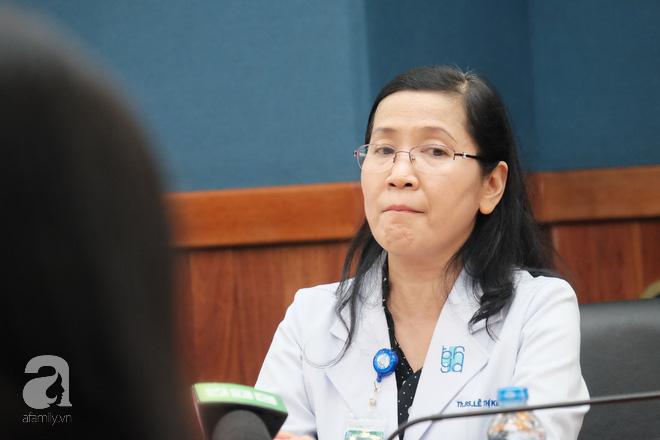 6 giờ ròng rã cứu mạng người phụ nữ mang khối u buồng trứng lớn nhất Việt Nam 2