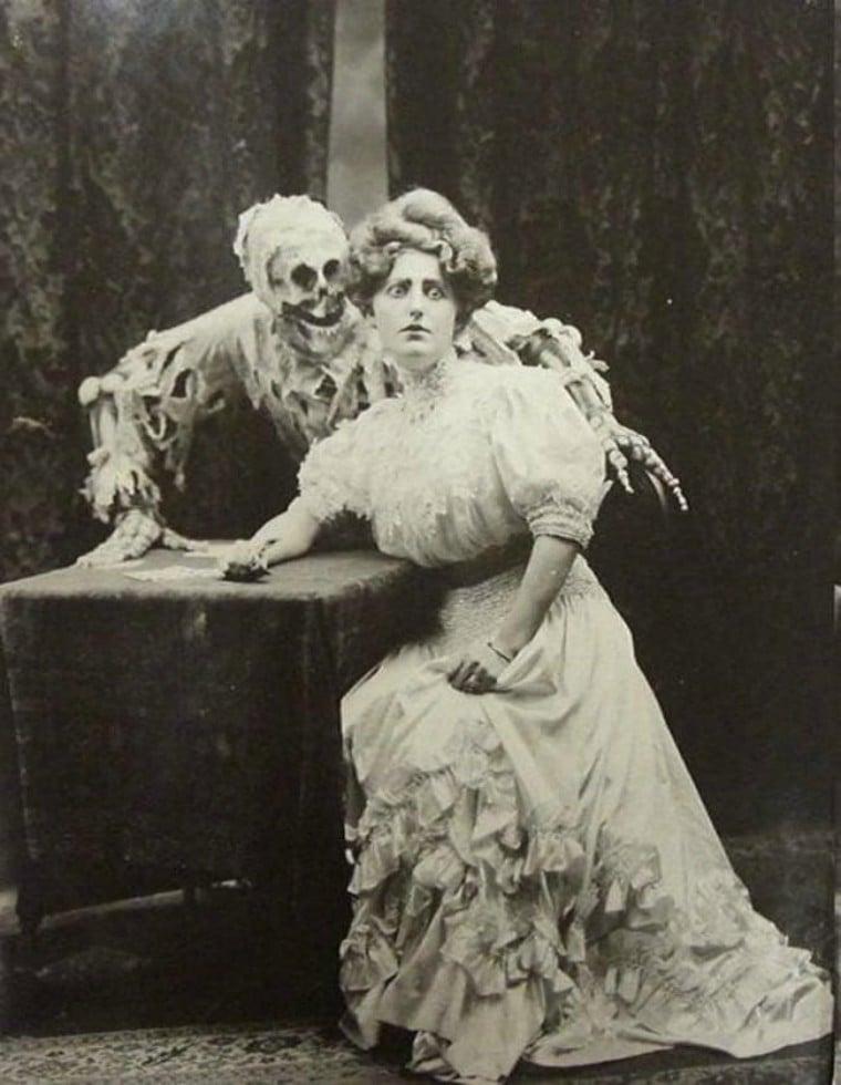 100 năm trước đây là những tấm ảnh bình thường, còn bây giờ càng nhìn càng thấy rùng rợn khó tả 12