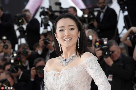 Các người đẹp vô danh Hoa ngữ chi bao nhiêu tiền để được đi thảm đỏ Cannes? - Ảnh 13.