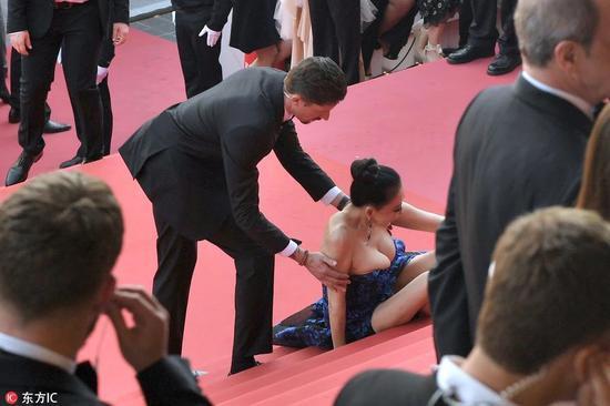 Các người đẹp vô danh Hoa ngữ chi bao nhiêu tiền để được đi thảm đỏ Cannes? - Ảnh 1.