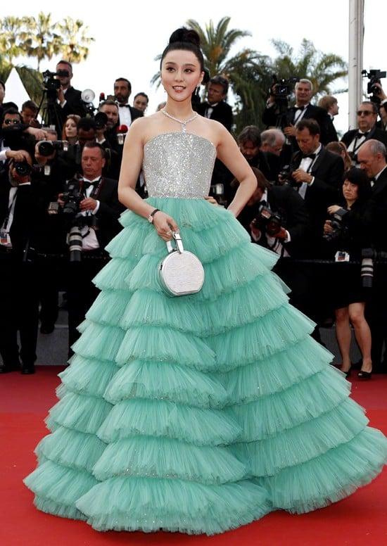 Các người đẹp vô danh Hoa ngữ chi bao nhiêu tiền để được đi thảm đỏ Cannes? 10