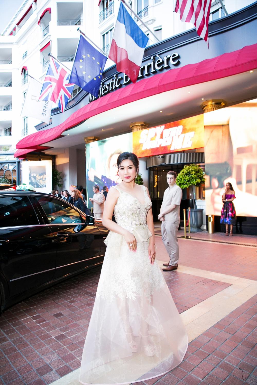 Hình ảnh Cindy Mai Anh Trần, Á hậu Trương Thị May đọ sắc tại dạ tiệc Cannes số 1