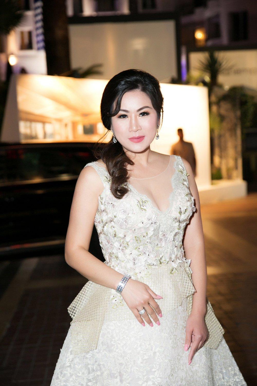 Hình ảnh Cindy Mai Anh Trần, Á hậu Trương Thị May đọ sắc tại dạ tiệc Cannes số 5