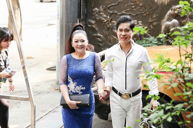 Hình ảnh Ngọc Sơn mời Như Quỳnh ghé thăm biệt thự 100 tỷ đồng số 1