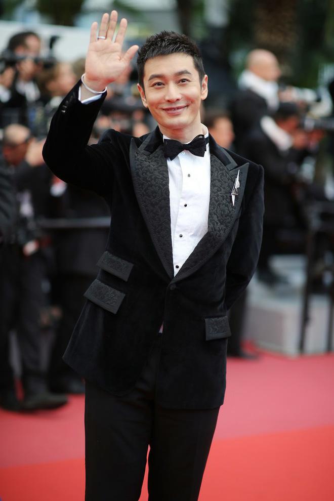 Thảm đỏ LHP Cannes: Huỳnh Hiểu Minh kém sắc, Yoo Ah In bảnh bao xuất hiện cùng dàn siêu mẫu xinh đẹp 1