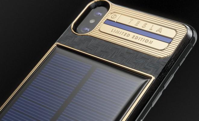 Xuất hiện iPhone X Tesla giá gần tỷ đồng, có pin mặt trời lướt web cả ngày không lo hết 2