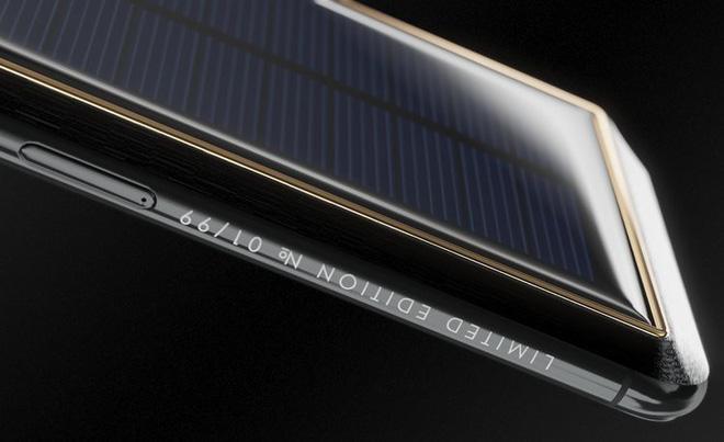 Xuất hiện iPhone X Tesla giá gần tỷ đồng, có pin mặt trời lướt web cả ngày không lo hết 4