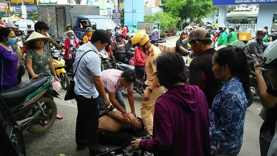 CSGT cùng dân truy đuổi bắt gọn đối tượng trộm xe trên đường phố Sài Gòn - Ảnh 2.