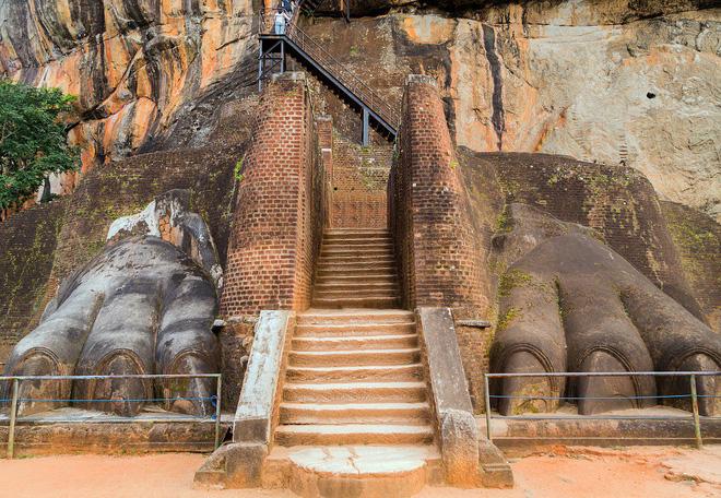 Pháo đài bất khả xâm phạm, cao 200m: Xứng đáng là kỳ quan thiên nhiên thứ 8 của nhân loại 11
