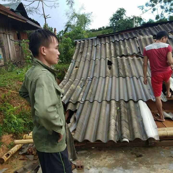 Nghệ An: Lốc xoáy liên tiếp xảy ra, đánh sập và làm tốc mái hơn 60 ngôi nhà 2