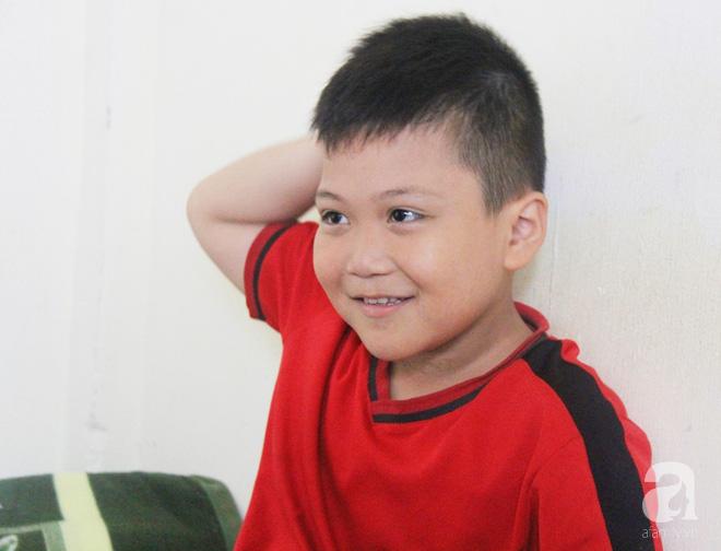 Vượt 1.000km từ Sài Gòn ra Huế để gặp lại con trai 8 tuổi mất tích, người mẹ vỡ òa hạnh phúc khi thấy con được bình an 6