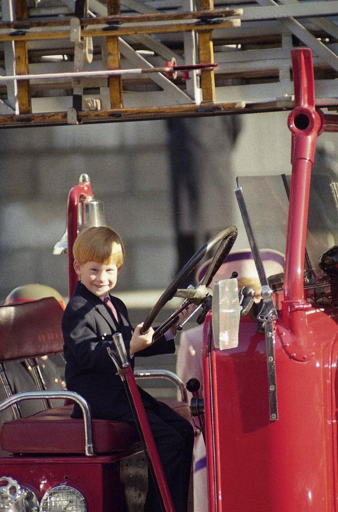 Hành trình trưởng thành của Hoàng tử Harry: Từ tay chơi đầy tai tiếng đến vị hoàng tử được ngàn người yêu mến, vạn cô gái ước ao 4