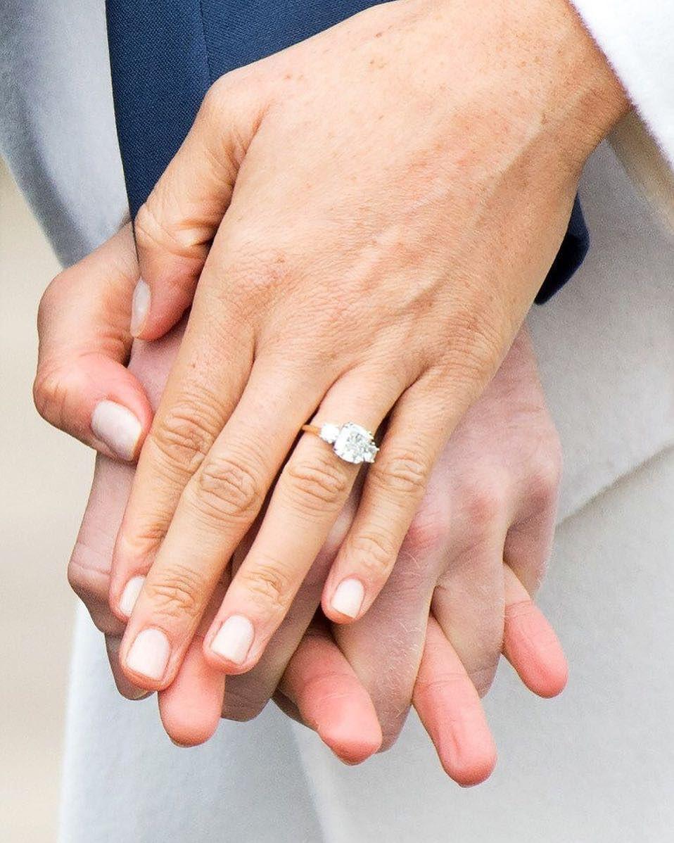7 con số ấn tượng về đám cưới Hoàng gia Anh: Từ 3 viên kim cương trên nhẫn đính hôn cho tới chiếc váy cưới tiền tỷ 1