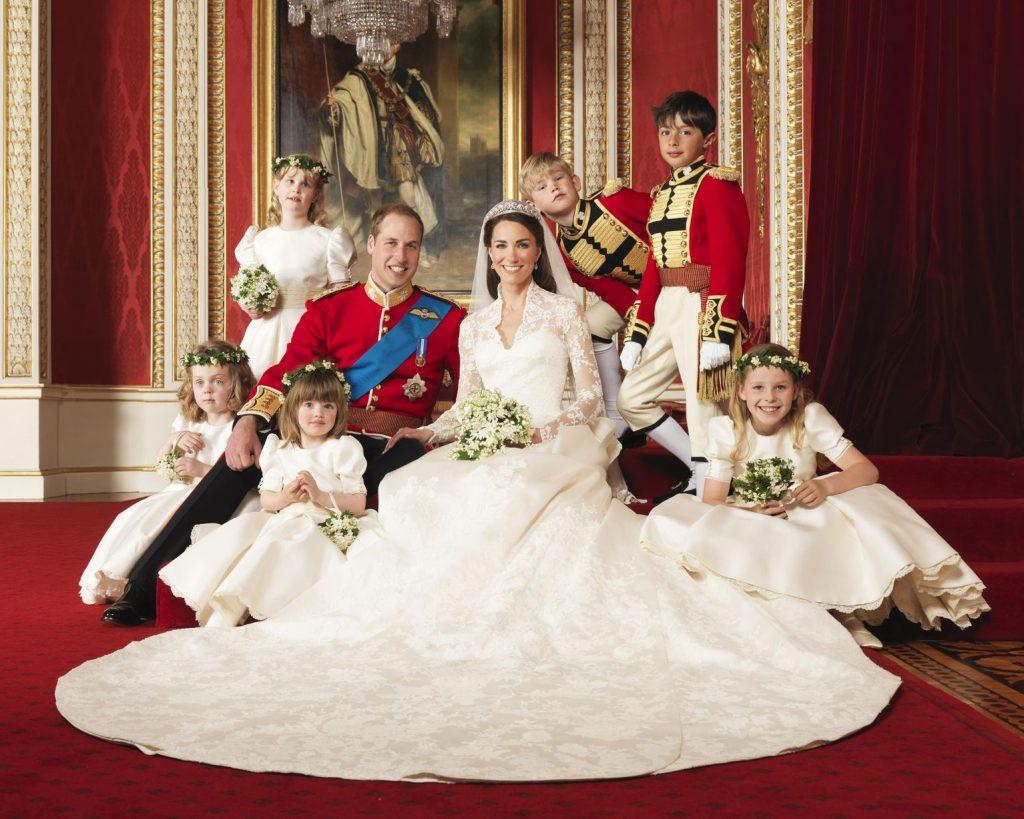 7 con số ấn tượng về đám cưới Hoàng gia Anh: Từ 3 viên kim cương trên nhẫn đính hôn cho tới chiếc váy cưới tiền tỷ 7