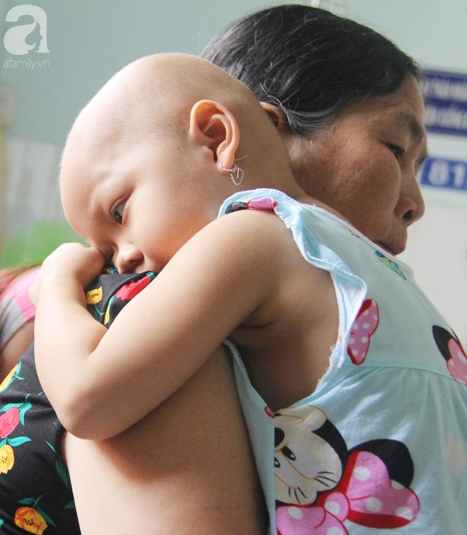 Phép màu đến với bé gái 4 tuổi bị ung thư máu từng ngây ngô hỏi: