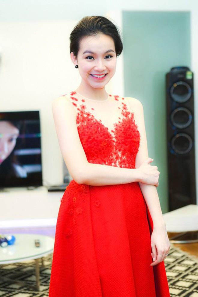 Nhan sắc và cuộc sống kín tiếng của Hoa hậu Hoàn vũ Việt Nam đầu tiên sau 10 năm đăng quang 10