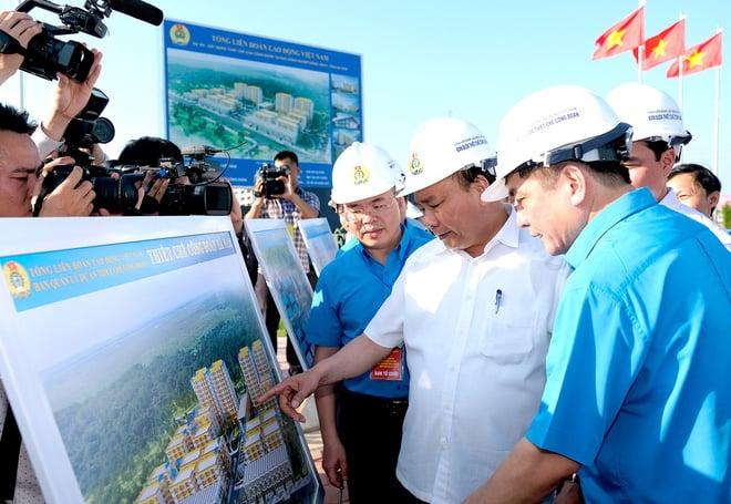 Thủ tướng thăm khu trọ của công nhân tại Hà Nam 1