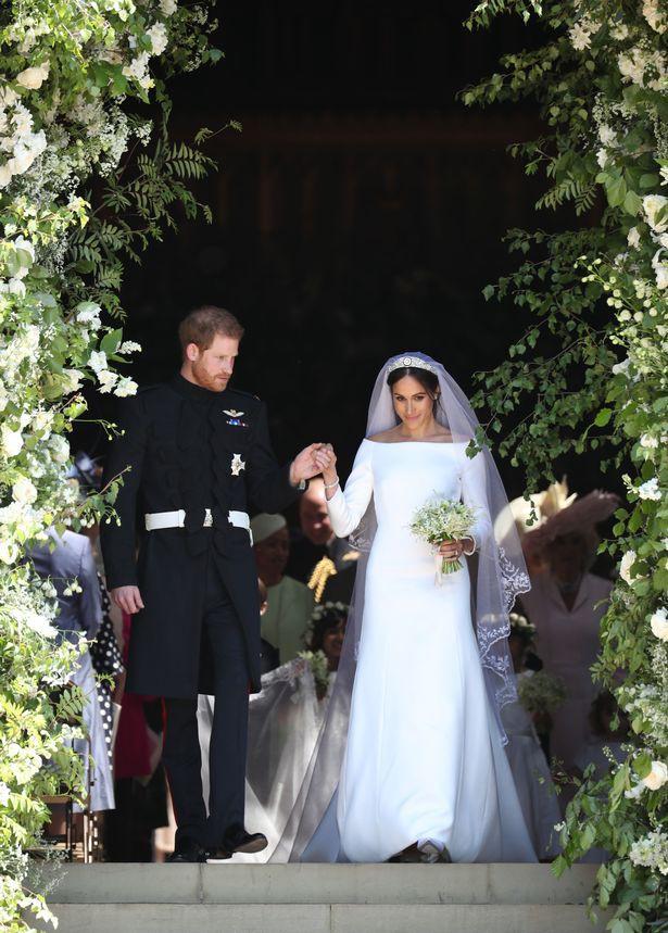 Những khoảnh khắc lãng mạn nhất trong đám cưới Hoàng tử Anh 7