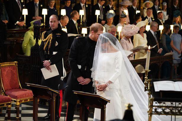 Những khoảnh khắc lãng mạn nhất trong đám cưới Hoàng tử Anh 2