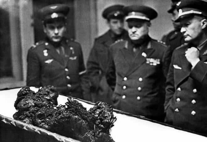 Bí mật sứ mệnh tự sát của phi hành gia Liên Xô: Cái chết của anh làm nhiều người bật khóc! 5