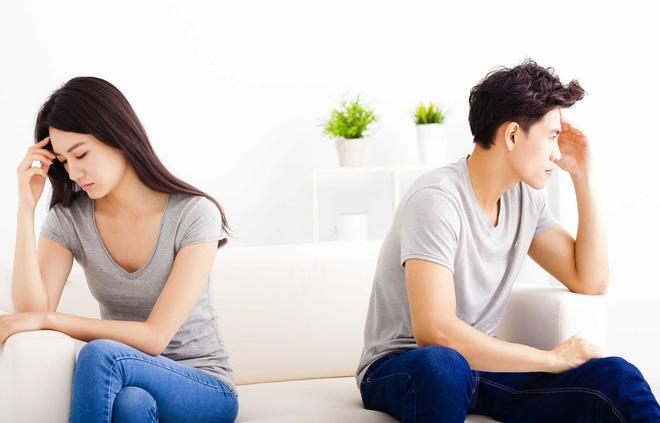 Lên mạng than bạn gái thường qua phòng bạn trai thân ngủ để ké điều hòa, anh chàng nhận được lời khuyên
