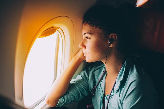 Một số người lên máy bay là dễ khóc như mưa, và đây là lý giải cho chuyện đó 1