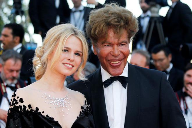 Minh tinh Pháp gây chú ý khi diện áo dài Việt trên thảm đỏ bế mạc LHP Cannes 5