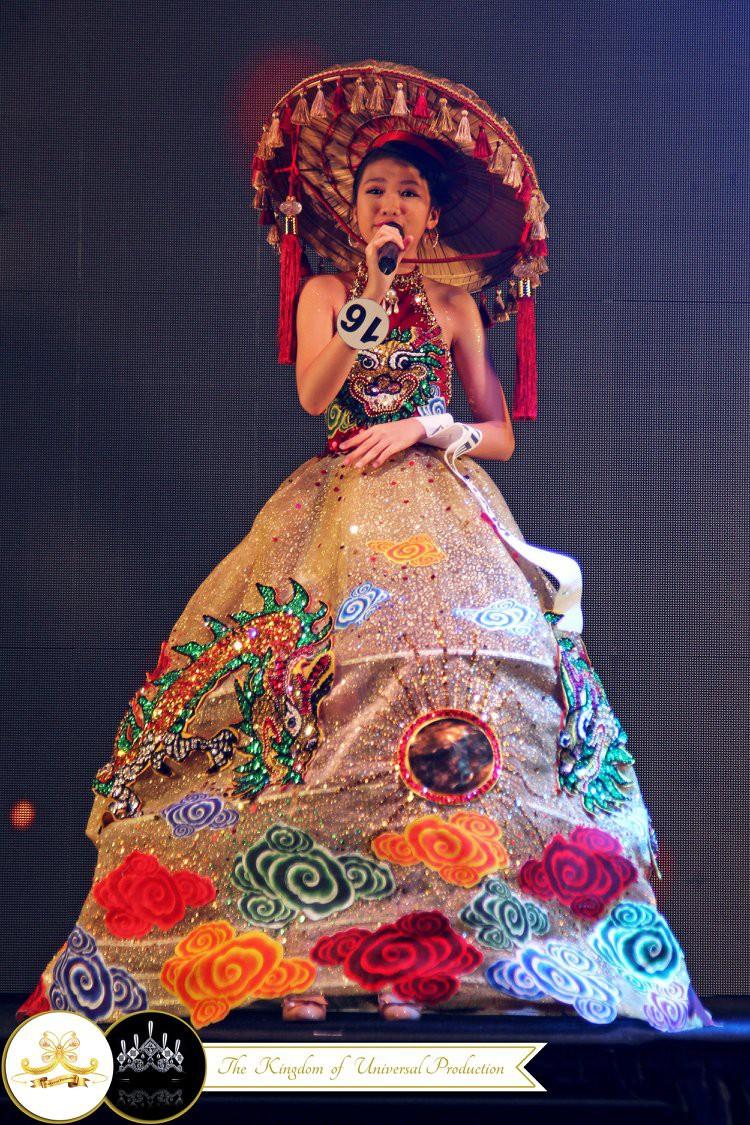 Mới 13 tuổi mà đã cao 1m72, cô bé Việt giành ngay ngôi vị Hoa hậu Hoàn vũ nhí 2018 - Ảnh 3.