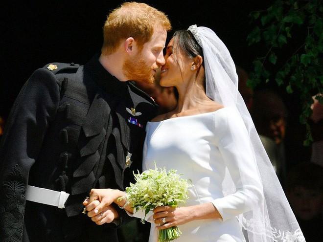 Dù kết hôn với Hoàng tử Anh, Meghan vẫn không được công nhận là công dân Anh trong vài năm tới 2