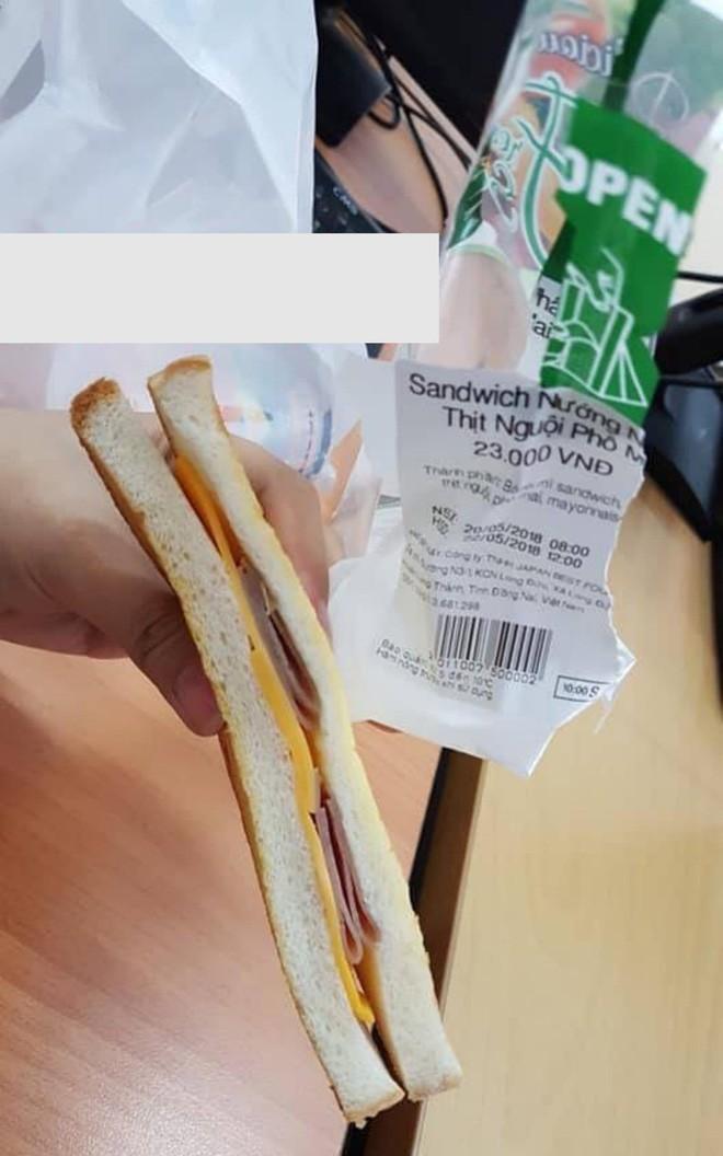 Người mua bánh mì siêu thị, người mua bưởi vỉa hè, hai cô nàng cùng 'vỡ mộng' khi khui hàng 2