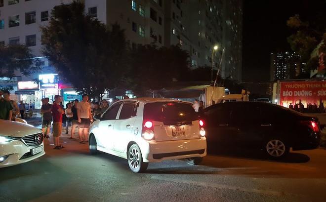 Dân náo loạn vì hai bãi giữ xe ở chung cư bị giải tỏa 1