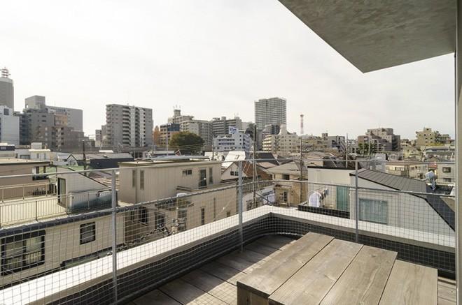 Ngôi nhà phố 43m² đẹp thanh bình với sân vườn xanh mát cây cỏ của gia đình trẻ ở ngay thủ đô Tokyo, Nhật Bản 11