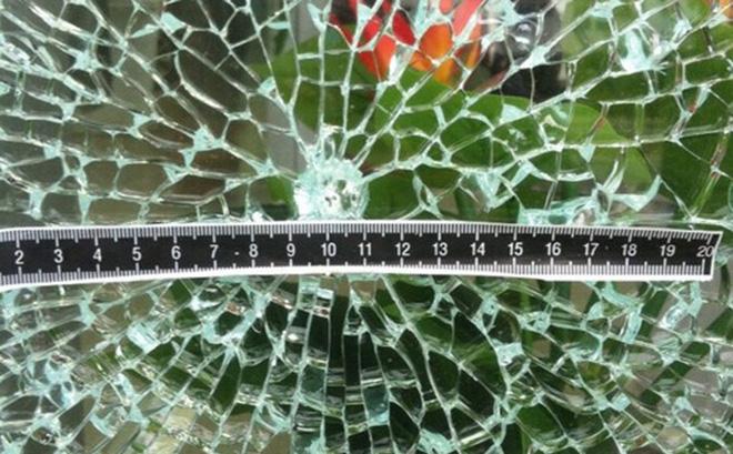 Thông tin bất ngờ về vết đạn trên cửa sổ TAND tỉnh An Giang 1