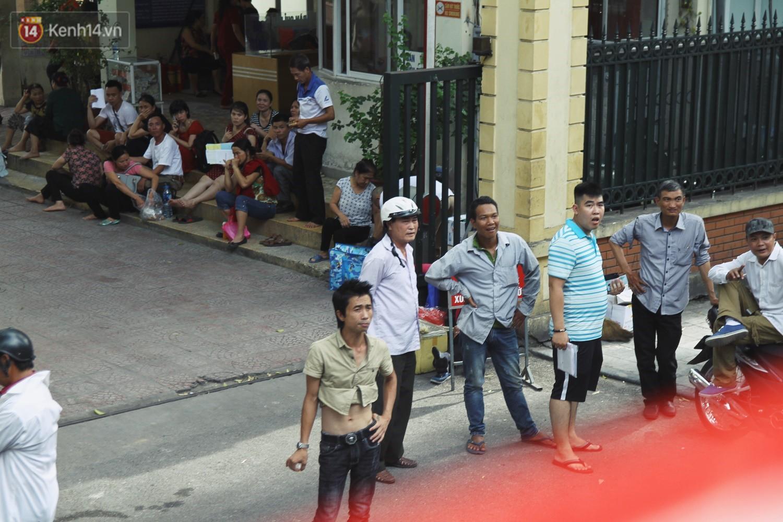 Trải nghiệm xe buýt 2 tầng mui trần ngắm Thủ đô Hà Nội từ trên cao: 300.000 đồng cho một vé liệu có đáng? 11