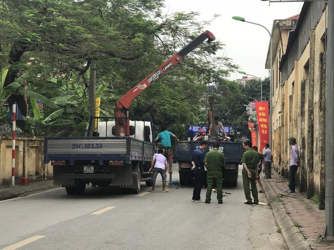 3 mẹ con bị cuốn vào gầm xe tải tử vong: Người chồng hét lớn nhưng tài xế không nghe thấy 2