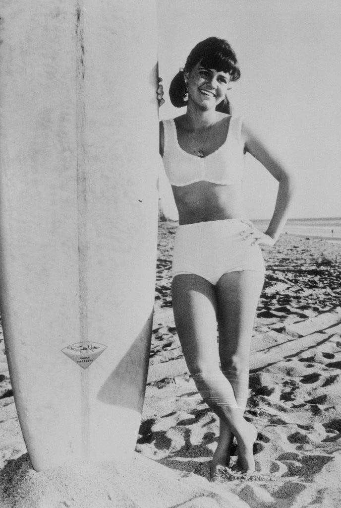 14 khoảnh khắc đồ bơi đã đi vào lịch sử, trong đó có một khoảnh khắc huyền thoại của Công nương Diana - Ảnh 14.