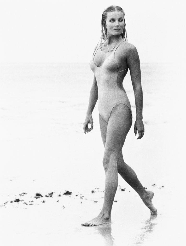 14 khoảnh khắc đồ bơi đã đi vào lịch sử, trong đó có một khoảnh khắc huyền thoại của Công nương Diana - Ảnh 7.