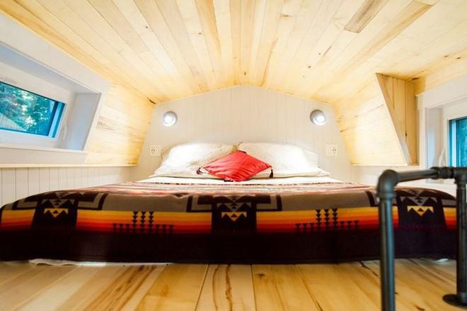 Ngôi nhà xe siêu nhỏ, dài chỉ 7m, diện tích 24m2, có thể giữ ấm cả trong mùa đông khắc nghiệt nhất 16